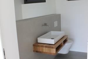 WC mit XXL Fliesen
